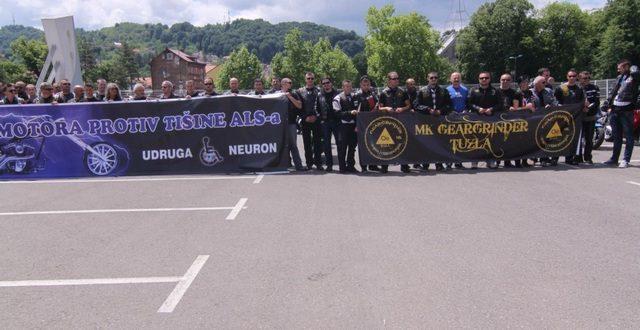 Paraglajderi danas iznad Đakova u znak podrške oboljelima od ALS-a