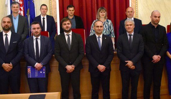 Potpisano osam ugovora vrijednih gotovo 100 milijuna kuna