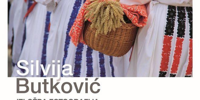 """Izložba Silvije Butković """"Zavičaju stari, zemljico od zlata"""""""