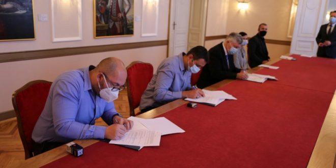 Osječko-baranjska županija omogućila edukaciju za 25 dugotrajno nezaposlenih osoba