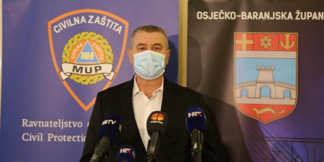 Osam novopozitivnih, slastičarnica u Osijeku radila duže od 22 sata zatečen vlasnik i 7 gostiju