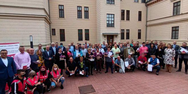 Osijek: Uručena priznanja dobrovoljnim darivateljima krvi